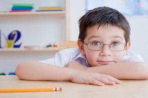 Bambino_occhiali